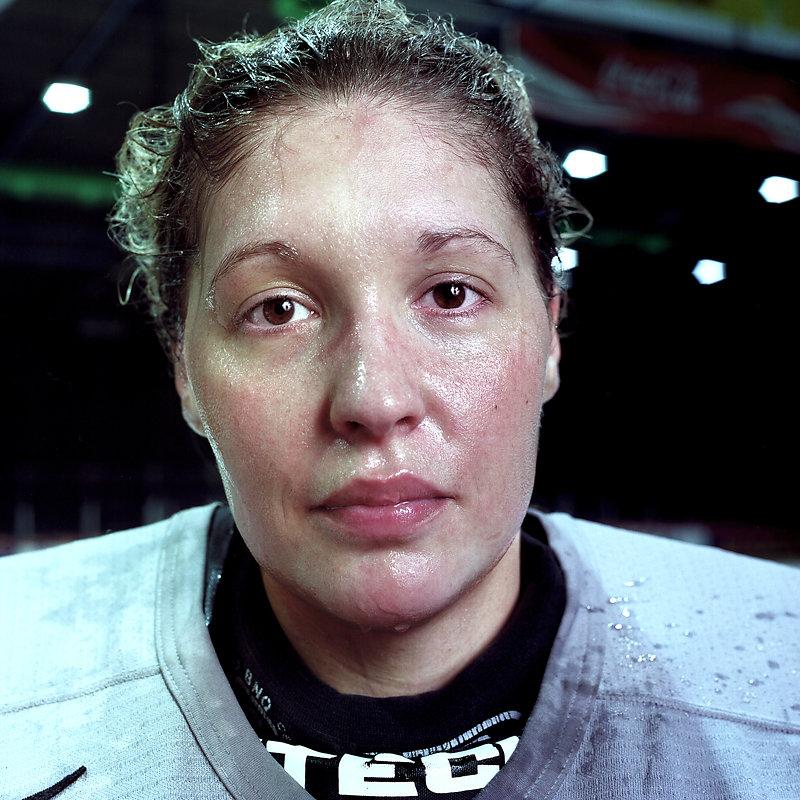 Eis-Hockey-Frauen-1-by-Arne-Siemeit.jpg