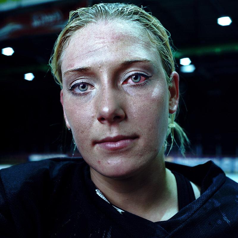 Eis-Hockey-Frauen-22-by-Arne-Siemeit.jpg